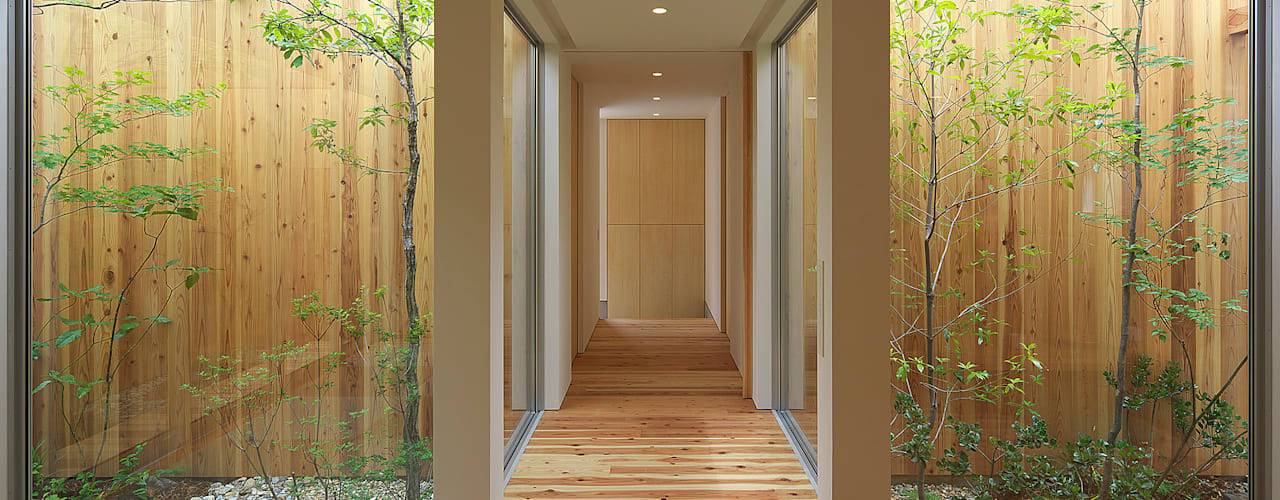 House of Nishimikuni Modern Corridor, Hallway and Staircase by arbol Modern