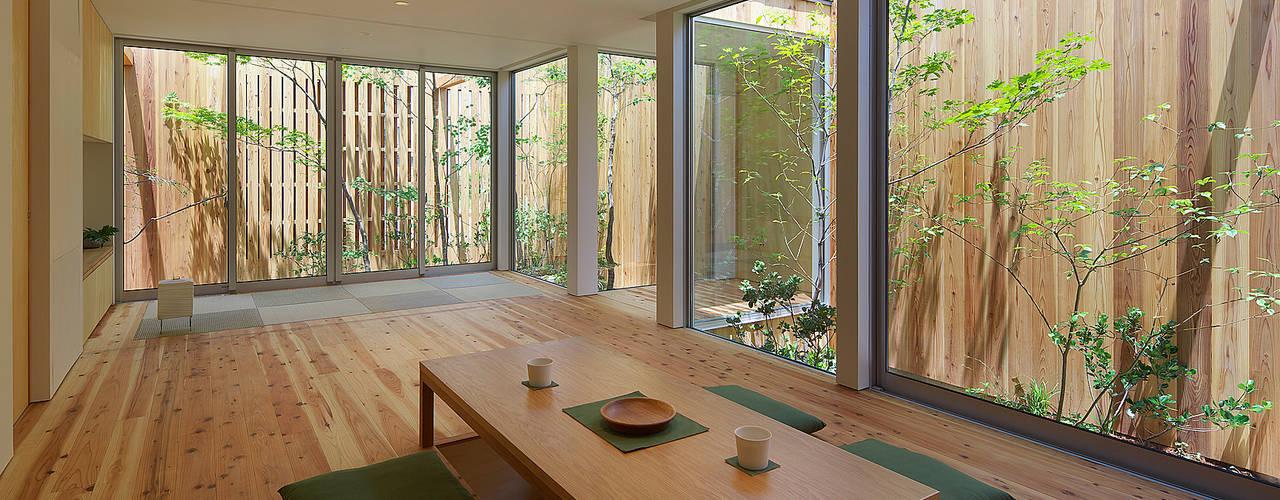 House of Nishimikuni 现代客厅設計點子、靈感 & 圖片 根據 arbol 現代風