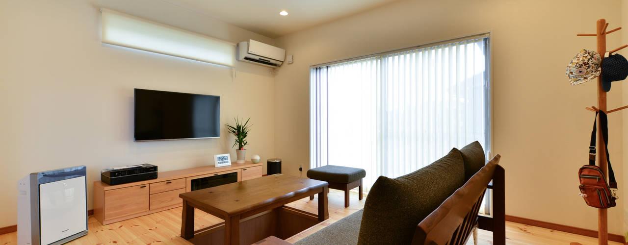 スクエア建築スタジオ Modern living room