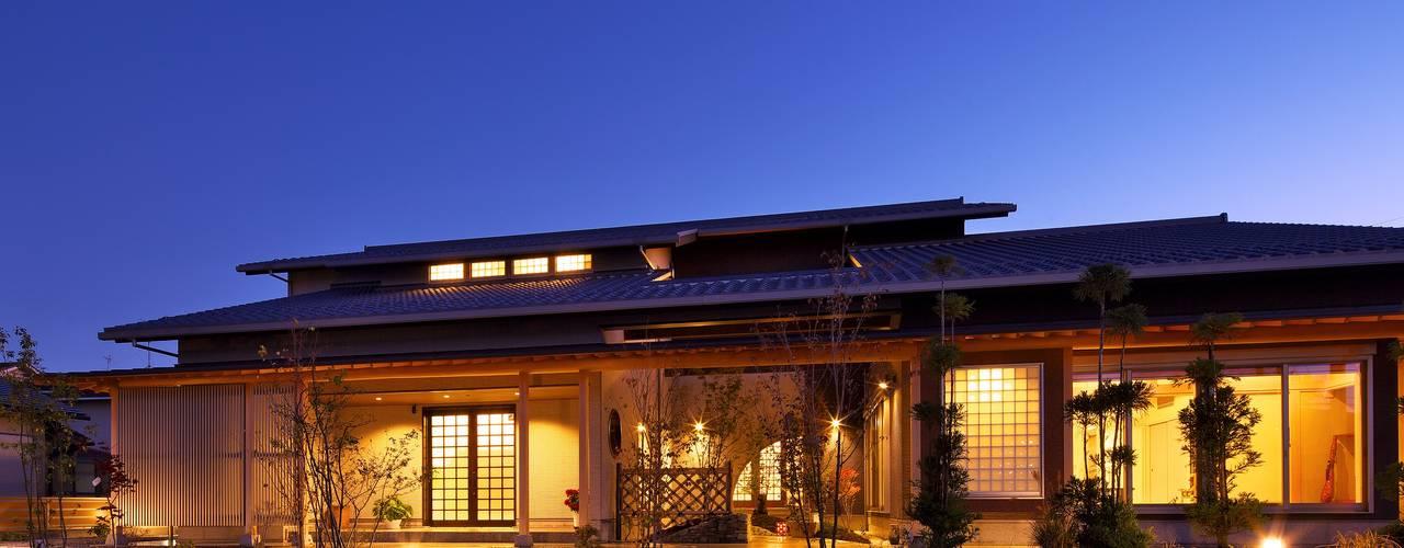 もてなしの家・和のエスプリを継ぐ家: やまぐち建築設計室が手掛けた家です。,モダン