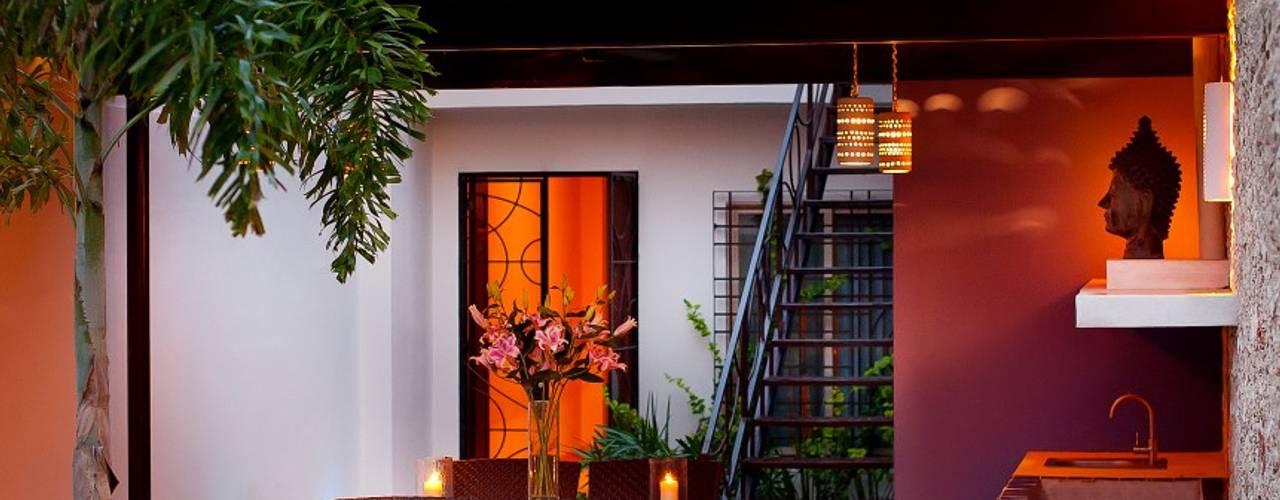Balcones y terrazas de estilo mediterráneo de Taller Estilo Arquitectura Mediterráneo