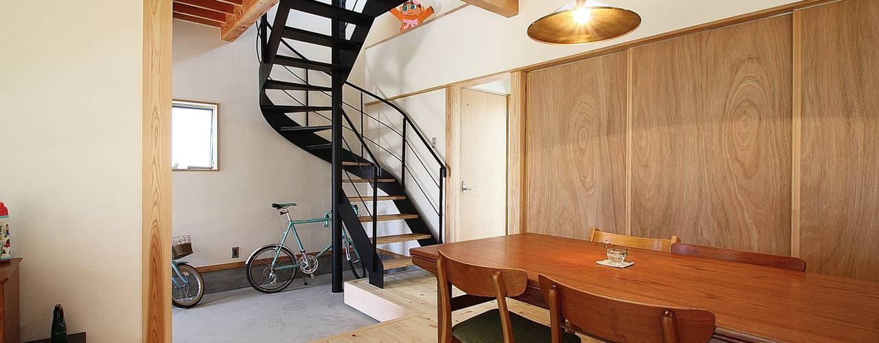 しもえもりのいえ 北欧デザインの リビング の 伊藤瑞貴建築設計事務所 北欧
