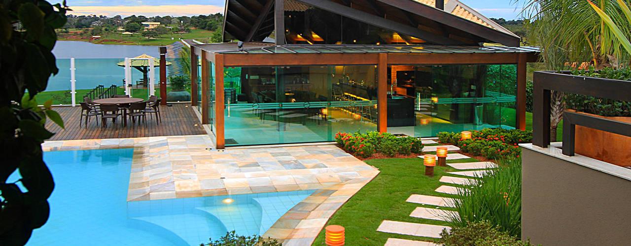 Rumah by Izabela Kassar Moretzsohn Arquitetura