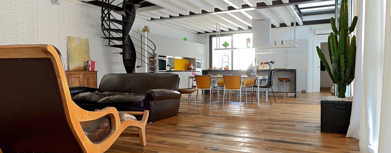 Industriale Wohnzimmer von Massimo Adiansi Architetto Industrial