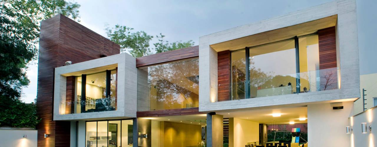 Casas de estilo  por Serrano Monjaraz Arquitectos