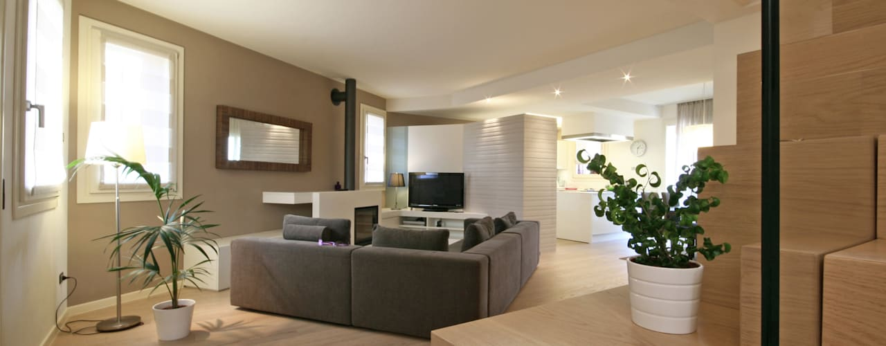 House in Marostica: Soggiorno in stile  di Diego Gnoato Architect