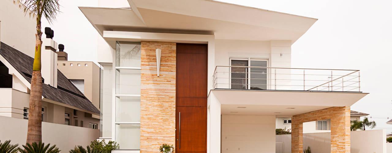 房子 by Biazus Arquitetura e Design