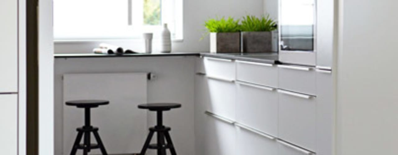 Dapur kecil  by Kristina Steinmetz Design