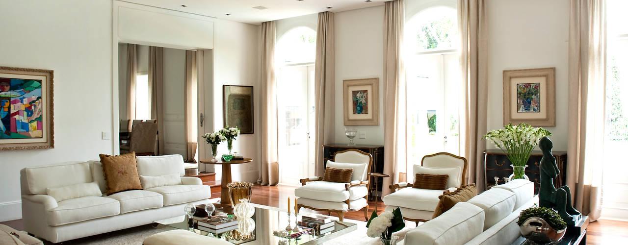 Projekty,  Salon zaprojektowane przez Prado Zogbi Tobar