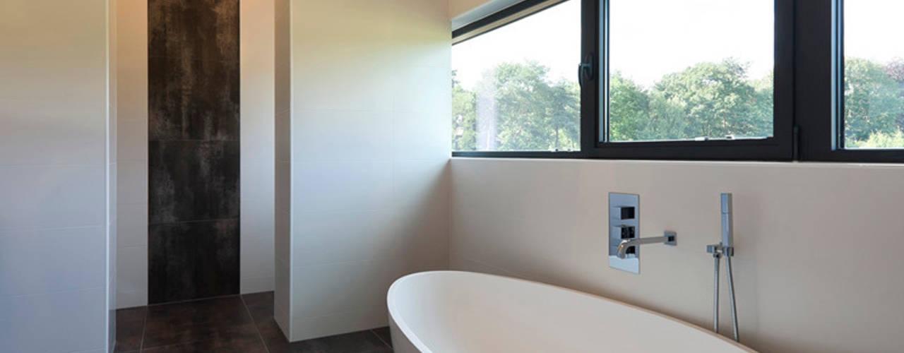 Bridge House 123DV Moderne Villa's Moderne badkamers