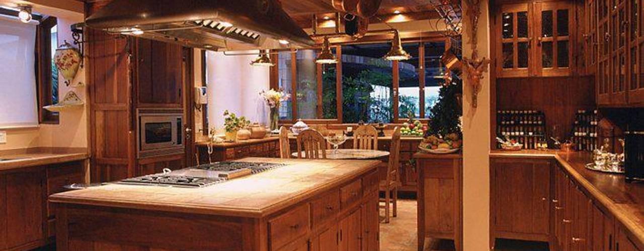 Nhà bếp phong cách mộc mạc bởi Cristina Amaral Arquitetura e Interiores Mộc mạc