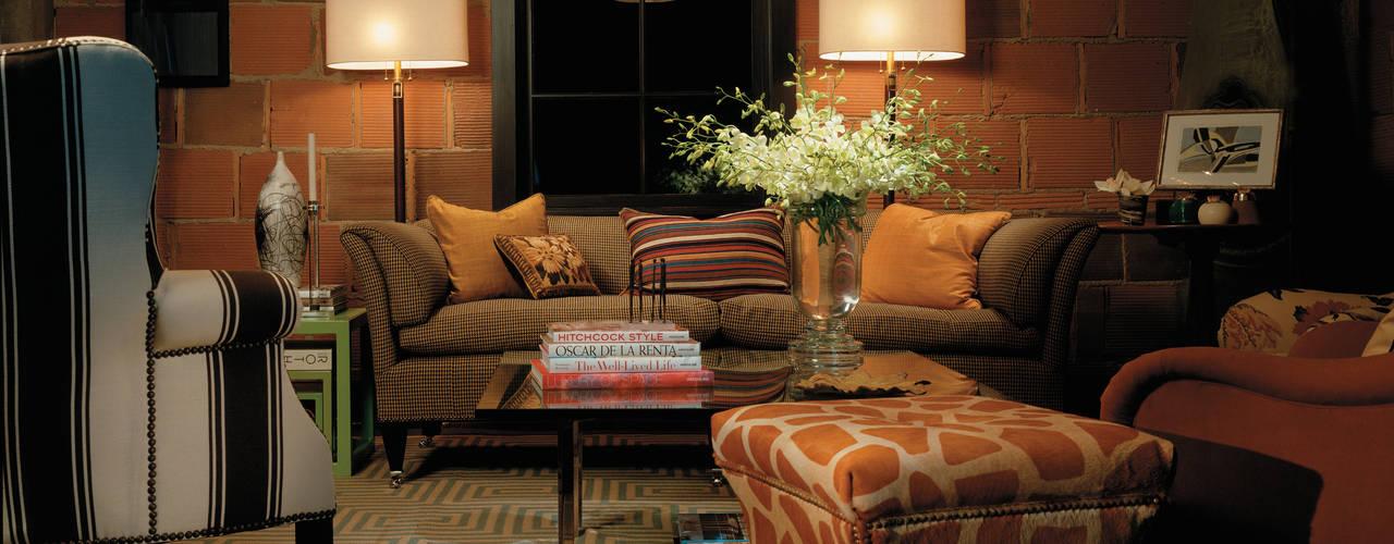 Salas / recibidores de estilo  por PROENER