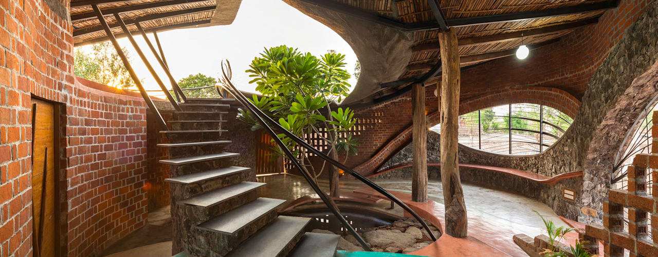 Brick House, Wada Tropical style corridor, hallway & stairs by iSTUDIO Architecture Tropical