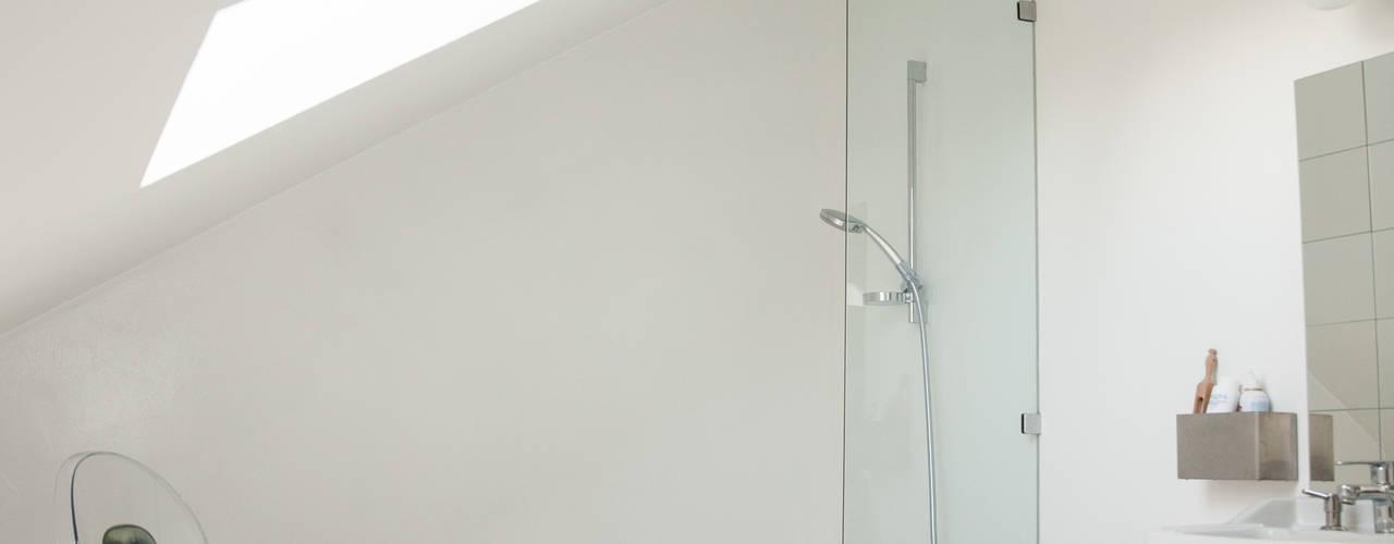 Une salle de bain ton sur ton Salle de bain originale par mllm Éclectique