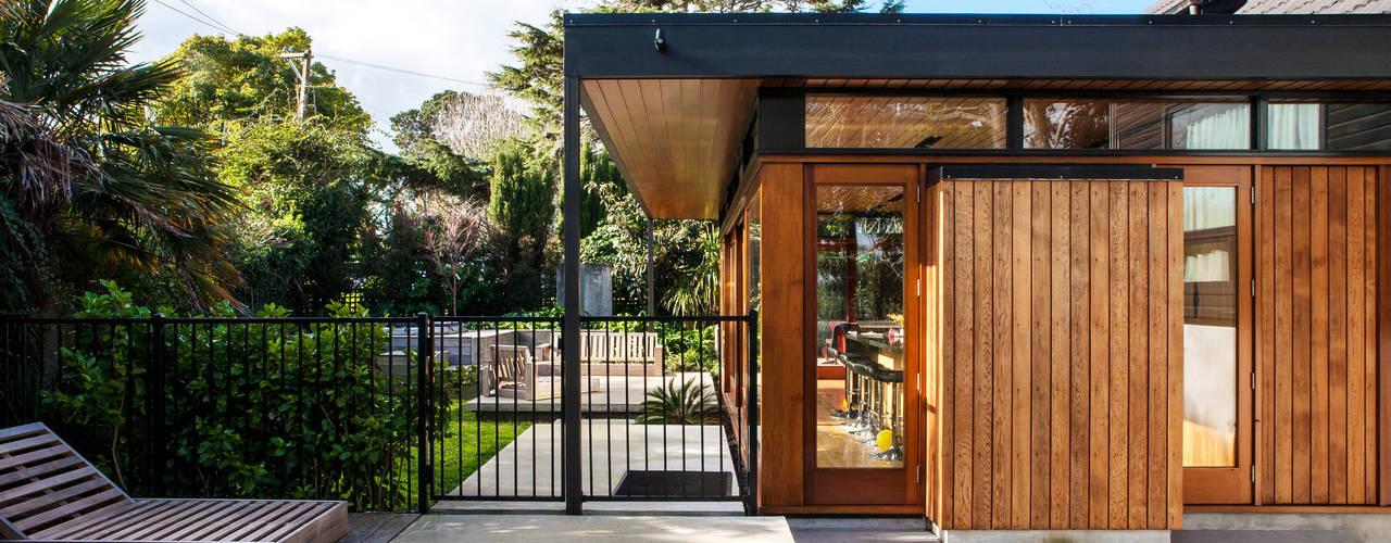 Nhà by Dorrington Atcheson Architects