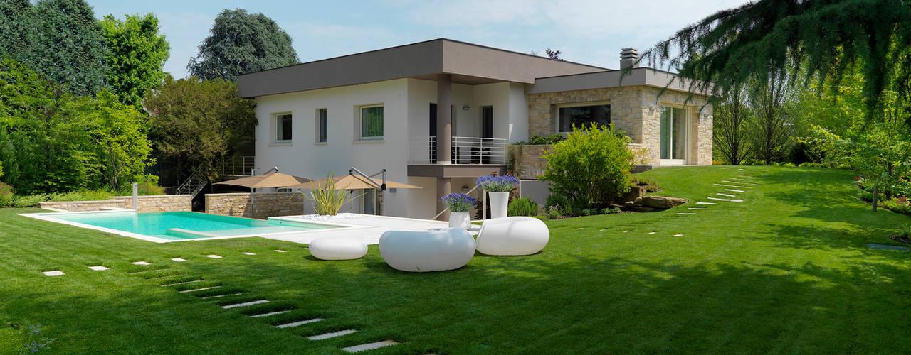 Studio d'Architettura MIRKO VARISCHI Jardines de estilo moderno