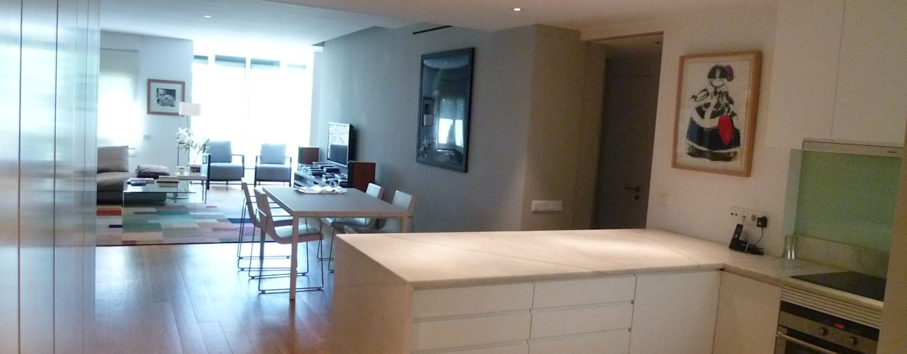 Living room by Maroto e Ibañez Arquitectos
