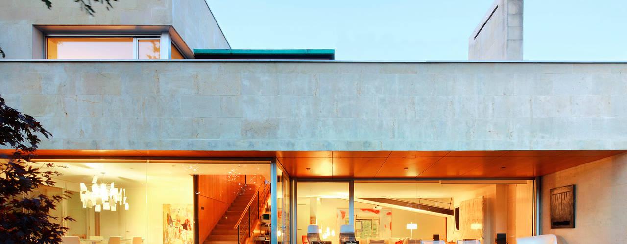 Modern Balkon, Veranda & Teras Hoz Fontan Arquitectos Modern