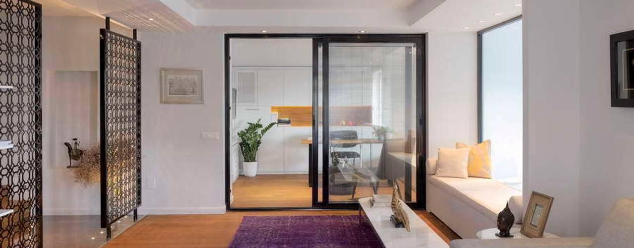 Projekty,  Okna zaprojektowane przez HANDE KOKSAL INTERIORS