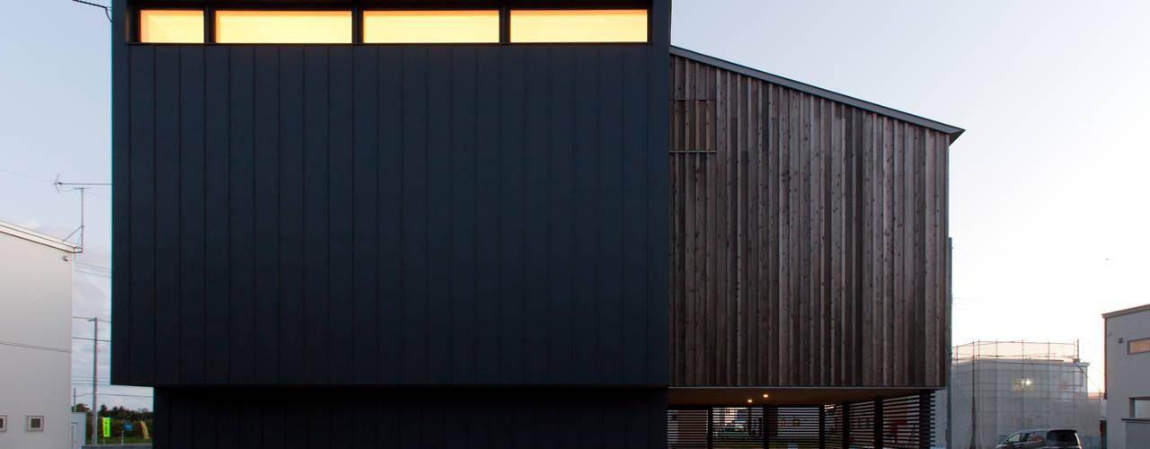 Maisons modernes par 一級建築士事務所 Atelier Casa Moderne