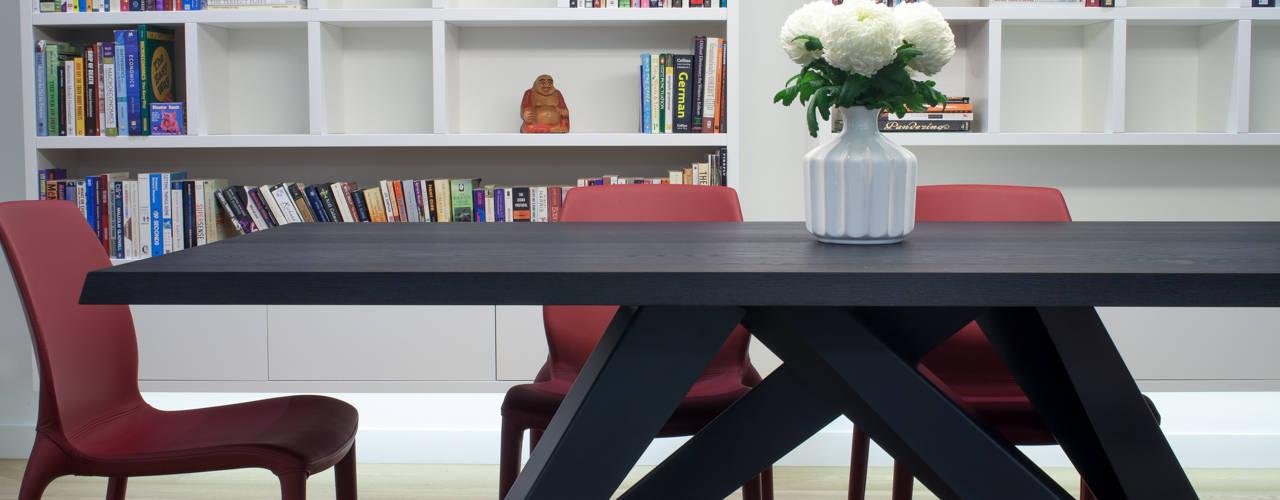 canalside flat : camden Comedores de estilo minimalista de Cassidy Hughes Interior Design Minimalista