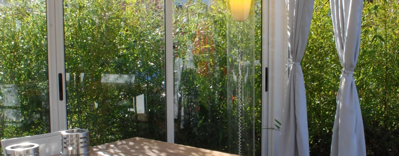 Jardines de invierno de estilo  por Fuoriforma