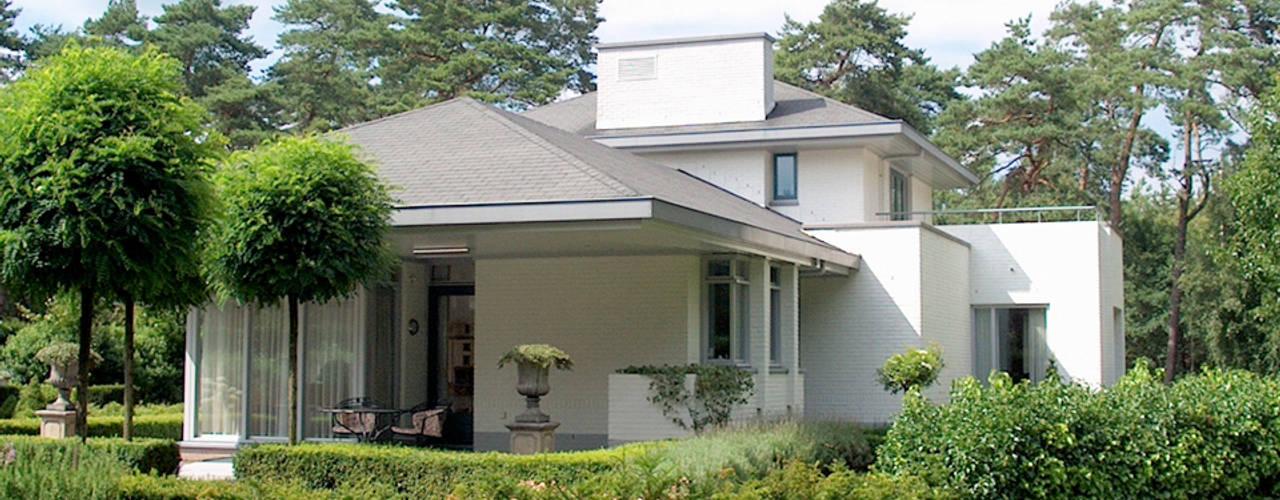 Casas de estilo  por PHOENIX, architectuur en stedebouw, Ecléctico