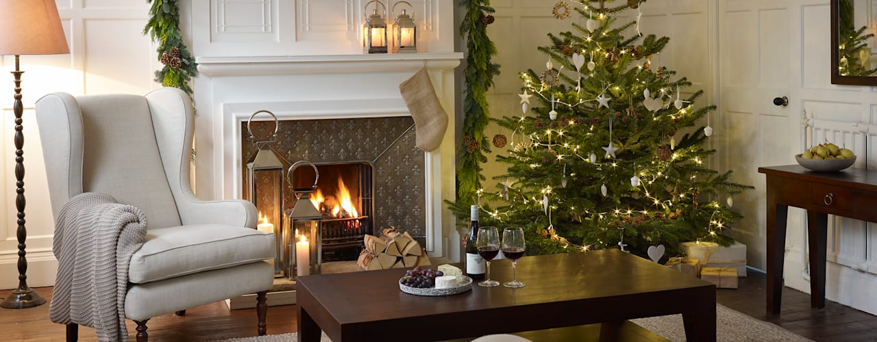 ​Christmas Inspiration: The Tree Country style living room by LOMBOK Country