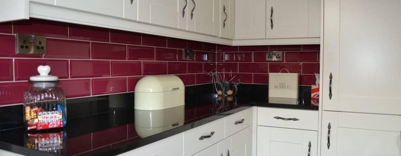 Wentworth Kitchen in Alabaster par Statement Kitchens Moderne