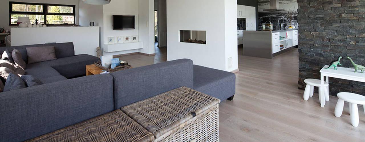 Modern Living Room by 3d Visie architecten Modern