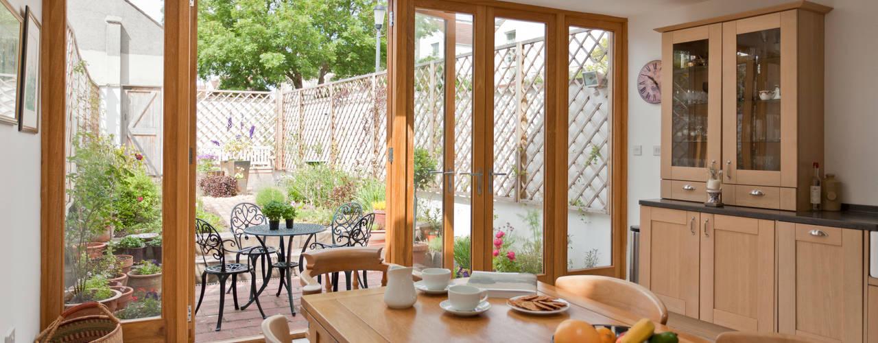 Musician's house in North Bristol Phòng ăn phong cách hiện đại bởi Dittrich Hudson Vasetti Architects Hiện đại