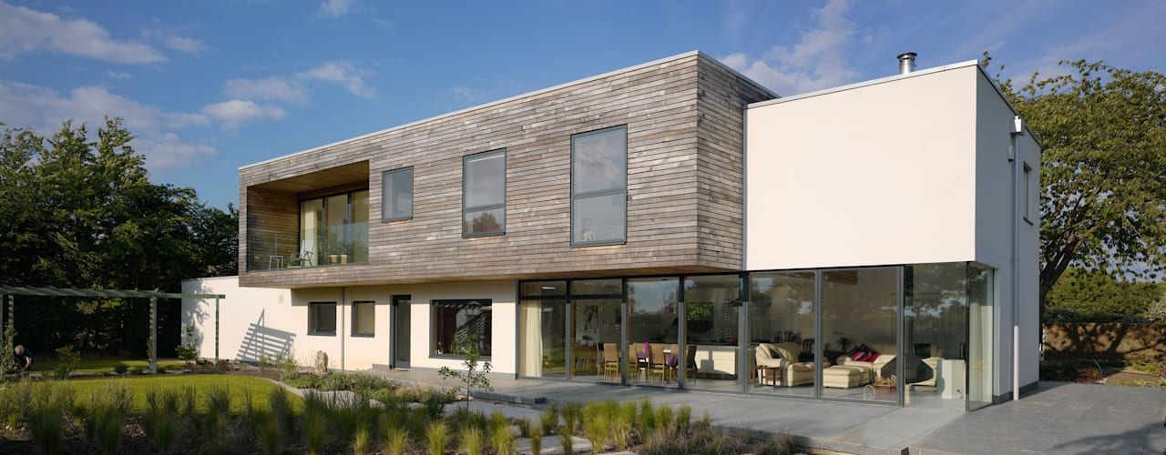 modern Houses by Platform 5 Architects LLP