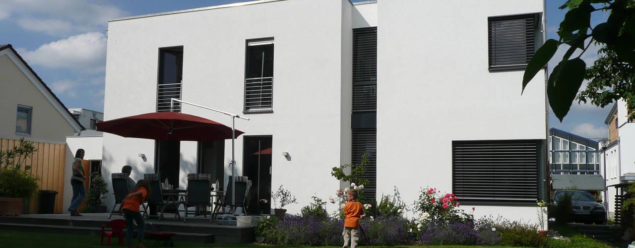 Minimalistyczne domy od waldorfplan architekten Minimalistyczny