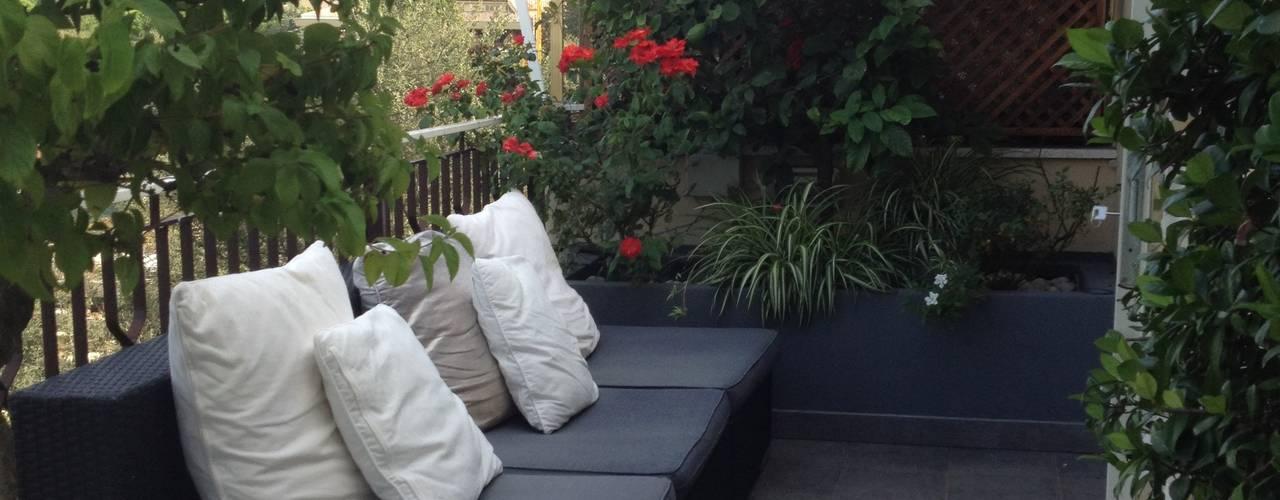 Balcones y terrazas de estilo minimalista de architetto Roberta Galantino Minimalista