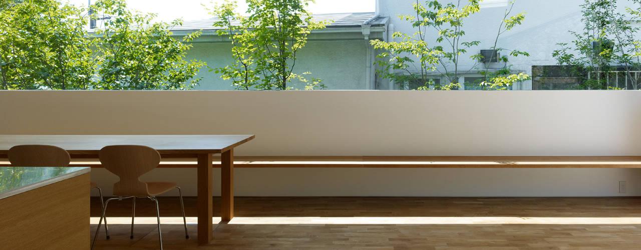 Modern living room by 栗原隆建築設計事務所 Modern