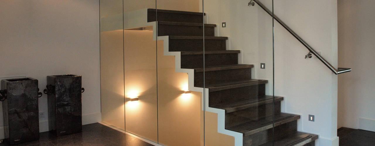 Moderner Flur, Diele & Treppenhaus von Frank Loor Architect Modern