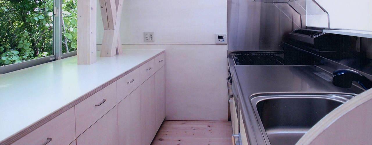 K&K-HOUSE ミニマルデザインの キッチン の M4建築設計室 ミニマル