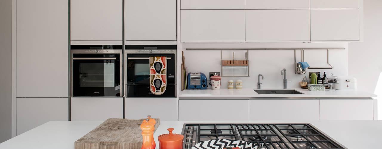 Cocinas de estilo  por Red Squirrel Architects Ltd