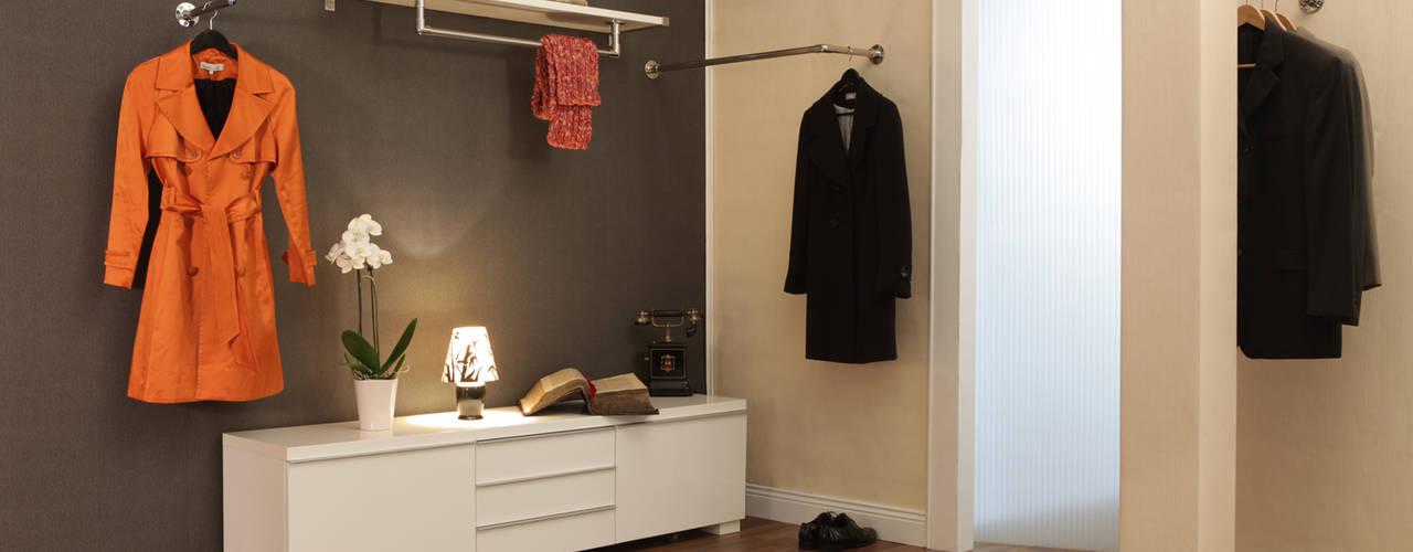 Garderobenstangen für Flur, Ankleidezimmer oder Schlafzimmer ULI Garderoben Moderner Flur, Diele & Treppenhaus