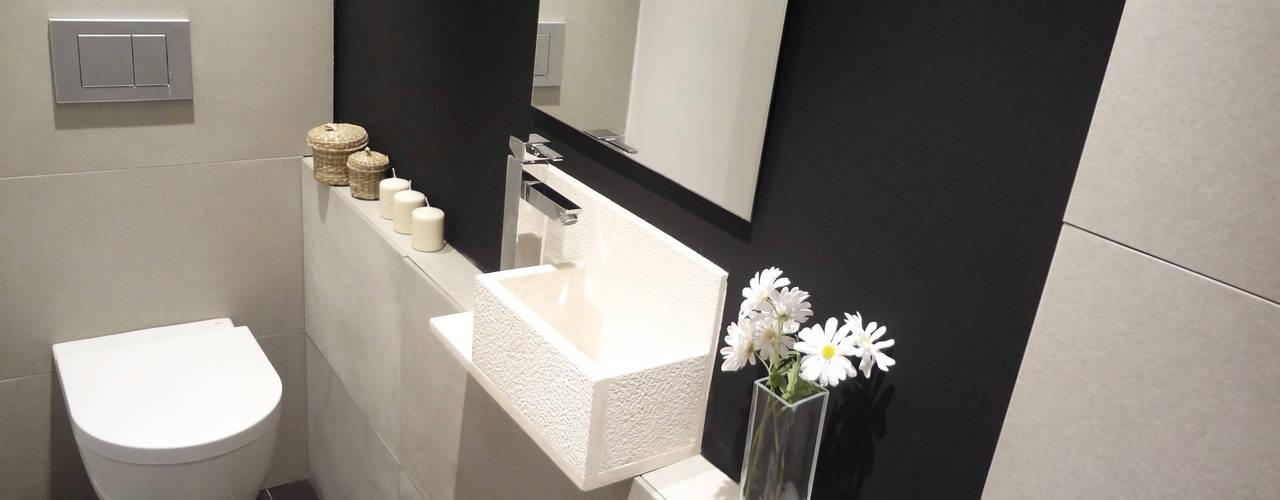 Aseo: Baños de estilo  de davidMUSER building & design
