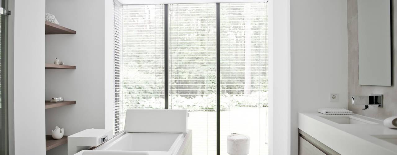 Zo kies je de perfecte raambekleding voor jouw badkamer met 20 mooie ...