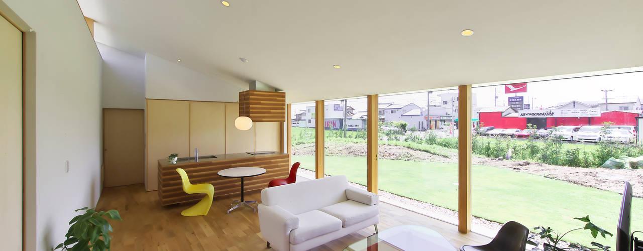 奥田の家 オリジナルデザインの リビング の 五藤久佳デザインオフィス有限会社 オリジナル