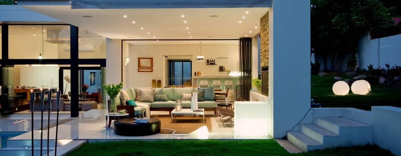 House Mosi Modern houses by Nico Van Der Meulen Architects Modern