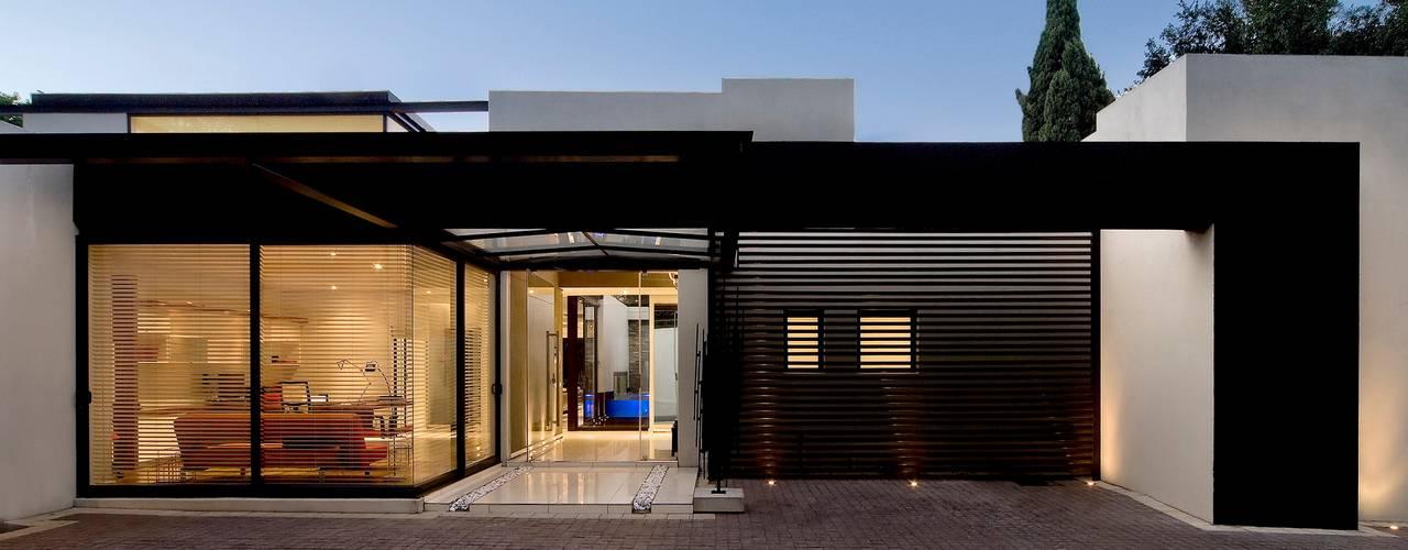 House Mosi Rumah Modern Oleh Nico Van Der Meulen Architects Modern