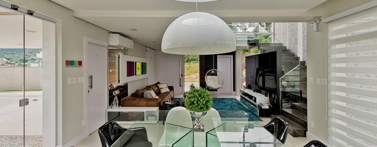 Casa AG: Salas de jantar  por Espaço do Traço arquitetura