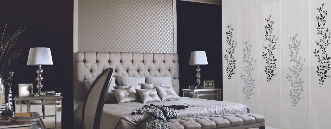 Camera da letto in stile  di LA VENTANA DE COLORES