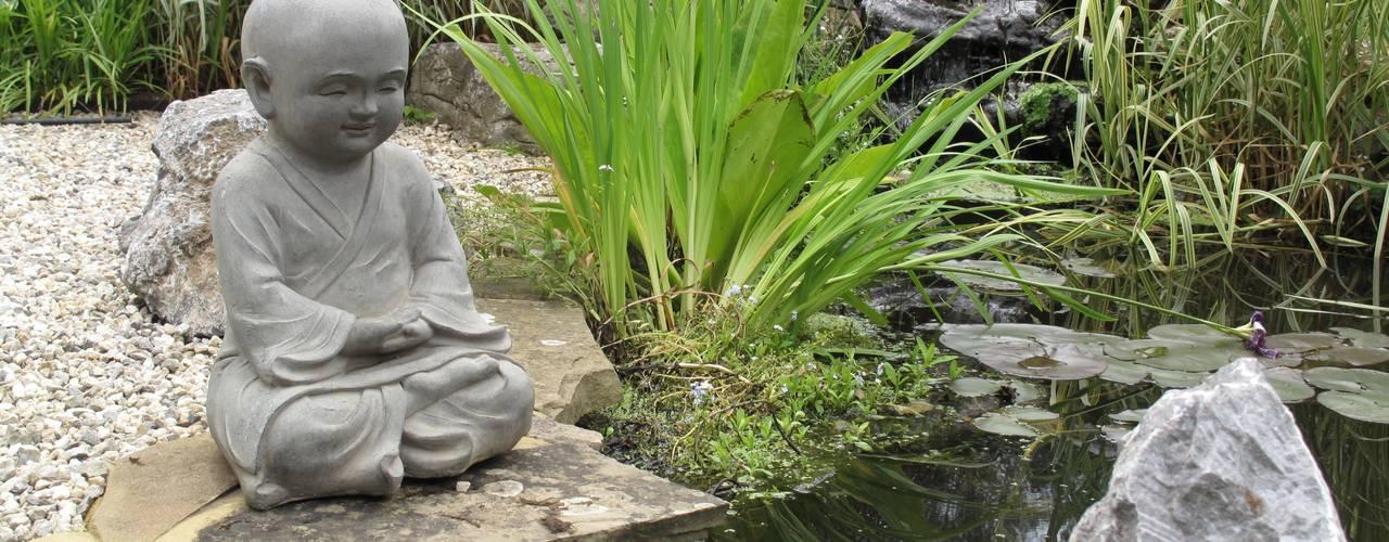 Country Family Garden With Oriental Water Garden Jardines de estilo asiático de Cherry Mills Garden Design Asiático