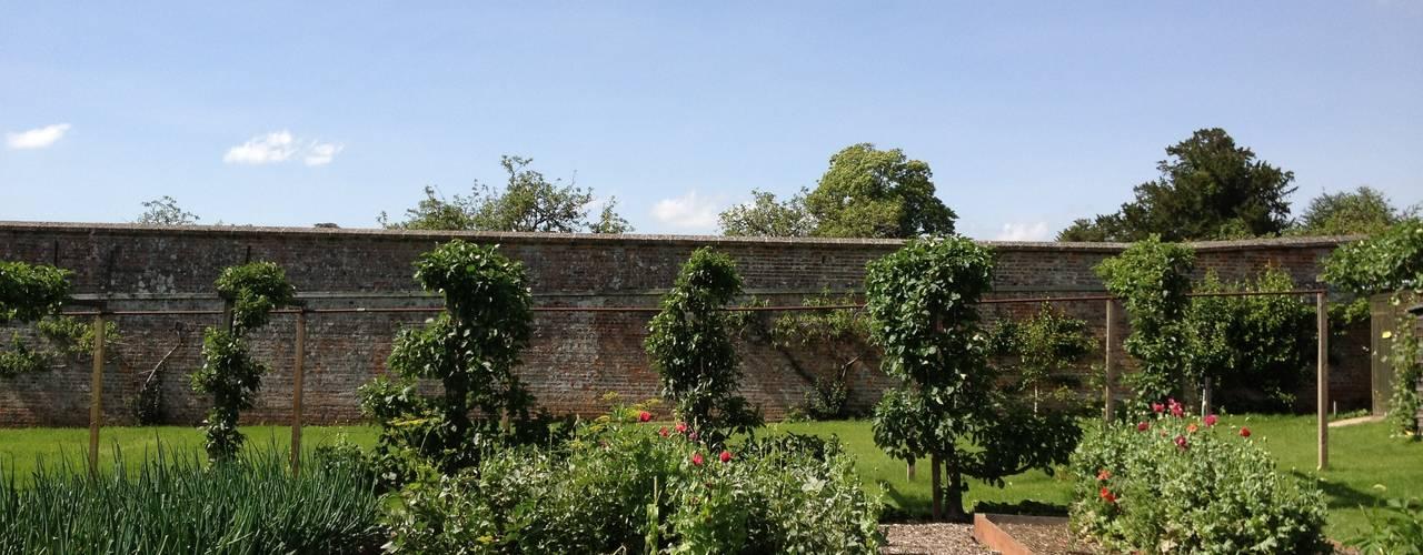 Tuin door Roeder Landscape Design Ltd