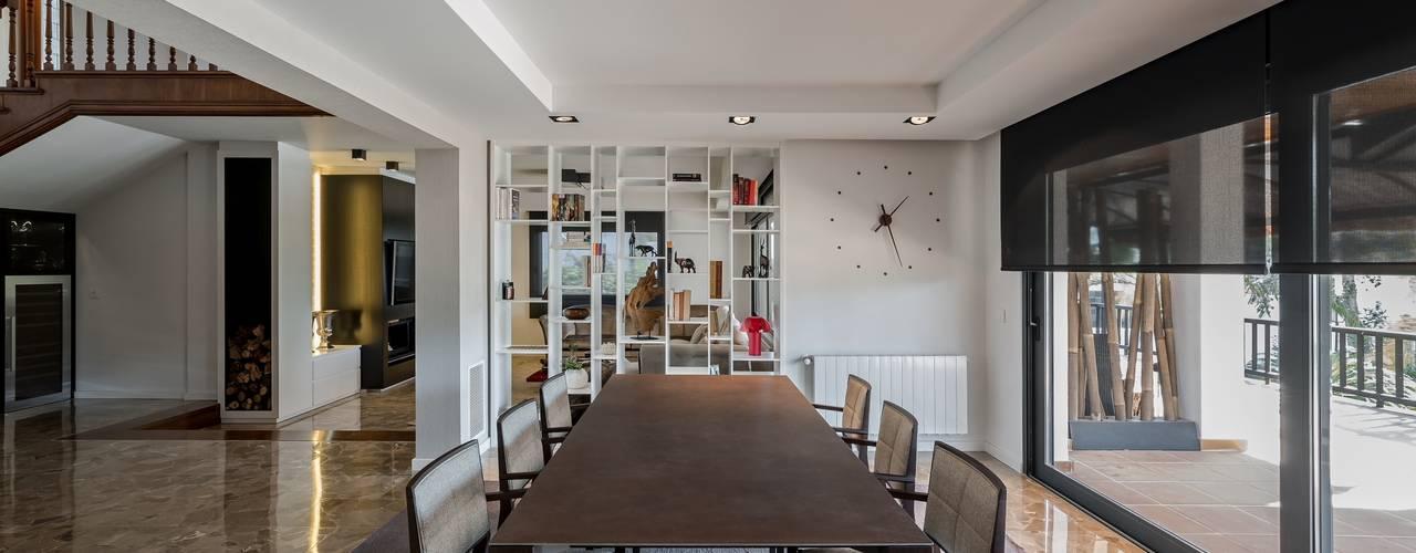 Comedores de estilo moderno por Laura Yerpes Estudio de Interiorismo