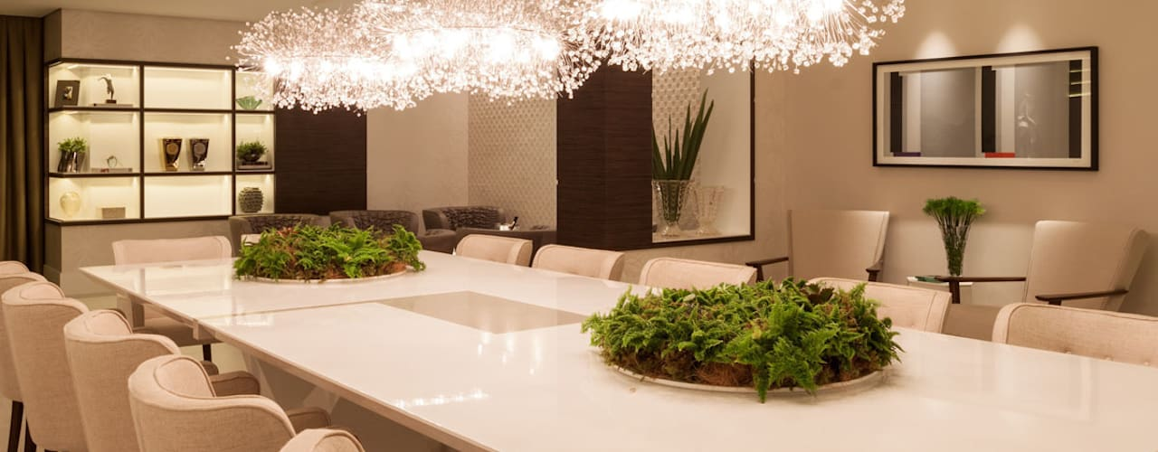 Dining room by Calli Arquitetura,